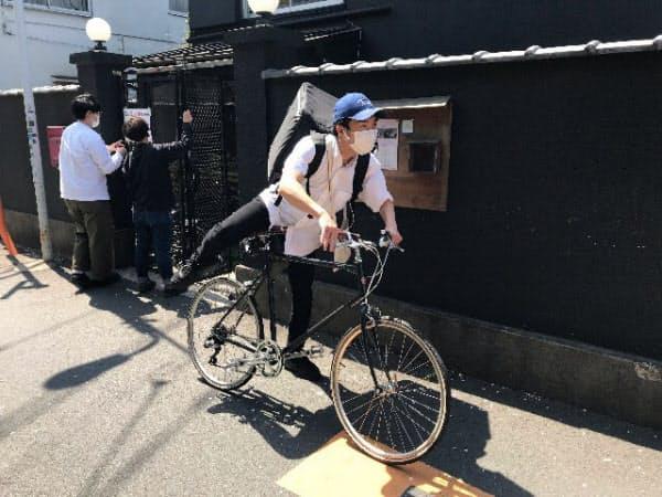 谷根千エリアの飲食店が共同で運営する宅配便(東京・台東)