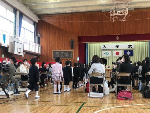 さいたま市立与野本町小学校(さいたま市)の入学式