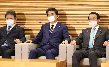 政府は「新型コロナウイルス感染症緊急経済対策」を閣議決定した(7日)