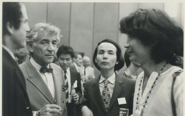 レニー(左)と武満さん(中央)と
