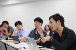 情報ネットワーク法学会の研究会で、ネット選挙活動について議論する参加者