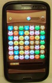 通学途中の大学生の多くが熱中するゲームアプリ「LINEPOP」