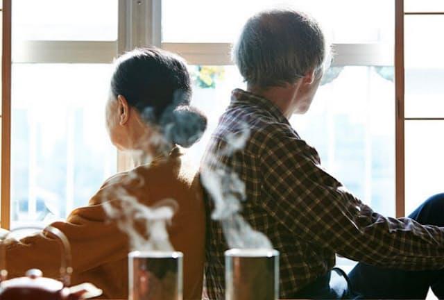 親が70代になれば「生前整理」を話す好機(写真はイメージ=PIXTA)