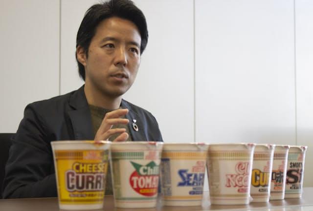 日清食品の担当者にカップヌードルのマーケティング戦略を聞いた
