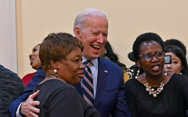 バイデン前副大統領は強い黒人支持者を持つ