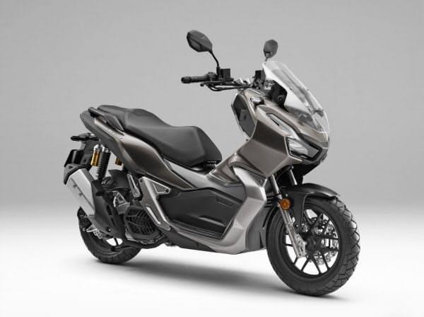 3密を避ける交通手段としてバイクが見直されつつある(ホンダが2月に発売した小型スクーター「ADV150」)