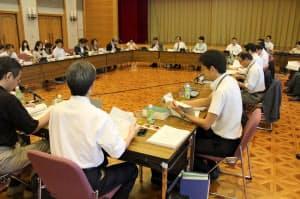 販売ルール策定作業グループでは有人店舗の義務付けなどで大筋合意した(9月20日、東京都港区)