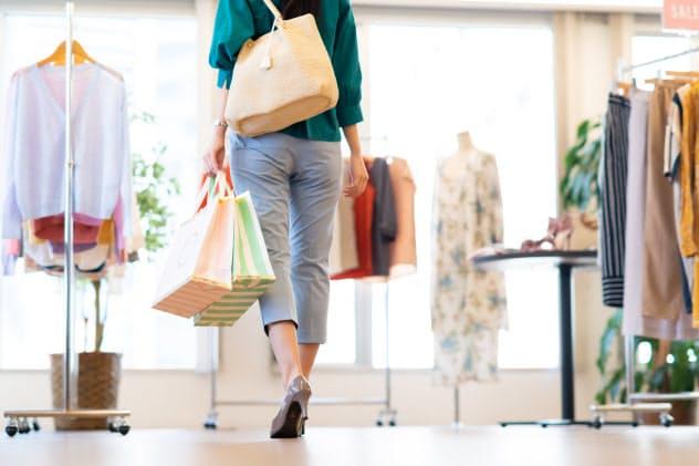 「ついで買い」「気分転換」の買い物はありますか?(写真はイメージ=PIXTA)