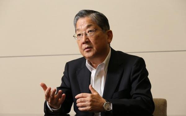 志賀俊之(しが・としゆき)氏 INCJ会長。1953年生まれ。76年、大阪府立大学経済学部卒業、日産自動車入社。2000年常務執行役員、05年最高執行責任者(COO)。13年副会長。15年、産業革新機構会長、18年から現職。日産自動車最高経営責任者(CEO)だったカルロス・ゴーン氏のもと、経営改革を支えた。(写真は陶山勉)