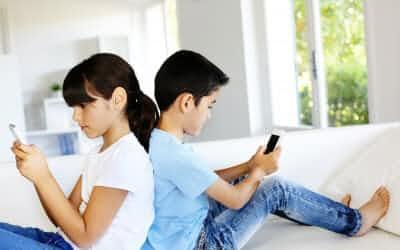 携帯電話やスマホの利用ルールは、親子で話し合って決めるべき