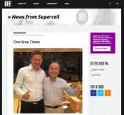 スーパーセルの公式ブログより。リッカ・パーナネンCEO(左)とソフトバンクの孫正義社長