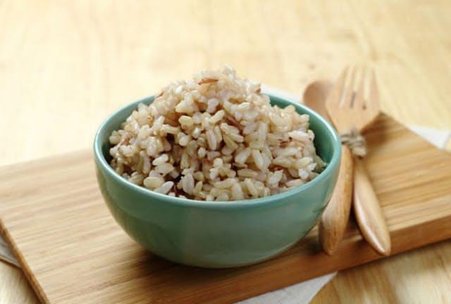 玄米や雑穀米の摂取が多い人ほど高血圧になるリスクが低かった。(C) Suphakaln Wongcompune-123RF