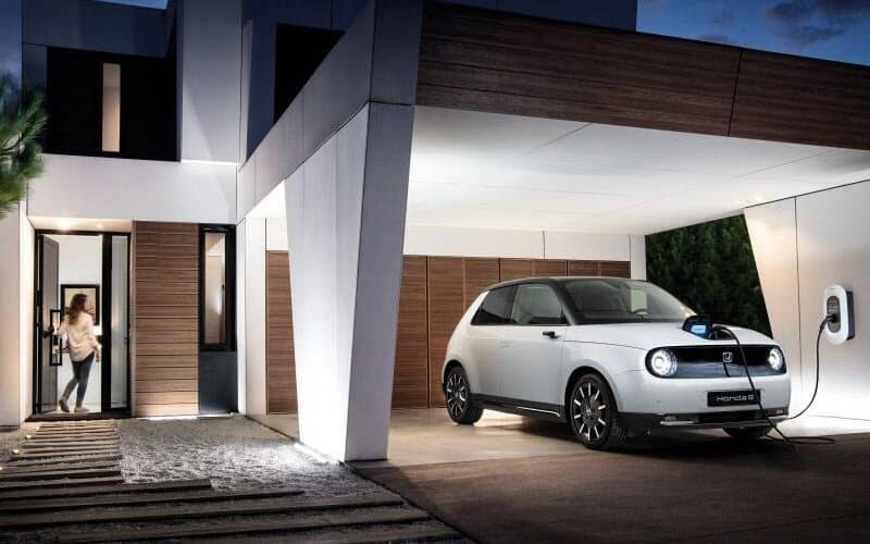 ホンダはかねて強いハイブリッド車に電気自動車を新たに加え、カーボンニュートラルに挑戦(出所:ホンダ)