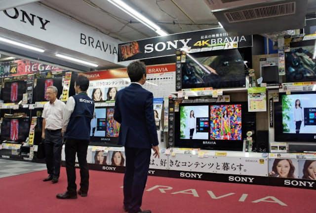 4K8Kテレビの販売が好調だ(ビックカメラ有楽町店)