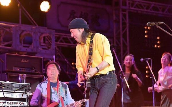 「ミュージックスラッシュ」は2020年7月30日、山下達郎氏のライブ映像を配信した。写真は17年の音楽フェス「氣志團万博」の様子(写真:菊地英二)