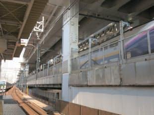 神田駅付近は、東北新幹線の上を東北縦貫線が通る(写真:ケンプラッツ)