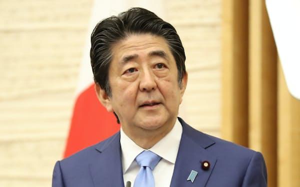 アビガンの5月中承認をめざすと表明する安倍首相(5月、首相官邸)