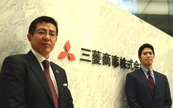 三菱商事デジタル戦略部の田代浩司(左)はデジタル地図の先進企業、HEREテクノロジーズへの出資交渉をまとめ上げた(右は増池乾人)