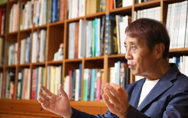 安藤忠雄(あんどう・ただお)氏 安藤忠雄建築研究所代表。1941年生まれ。69年に安藤忠雄建築研究所を設立。79年に「住吉の長屋」で日本建築学会賞作品賞、95年には建築界のノーベル賞といわれるプリツカー賞を受賞。97年から2003年まで東京大学大学院教授を務める。05年、同大学特別栄誉教授。米国のエール大学やハーバード大学でも客員教授を務める。(写真:太田 未来子)