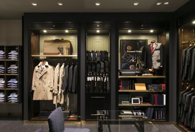 隠れ家風の地下1階「メンズドレス」はじっくりと商品を選べる落ち着いた空間