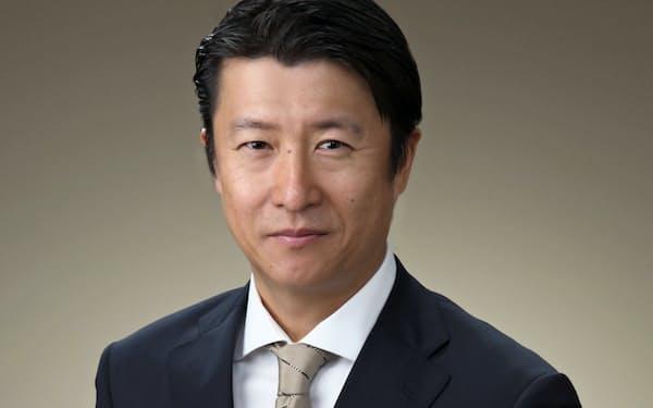 日本テキサス・インスツルメンツで20年以上、営業や技術サポートなどに従事。2014年から米エヌビディア日本法人代表兼米国本社副社長。首都大学東京でMBA取得。