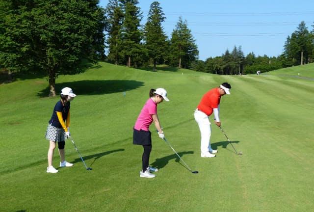 若い世代でゴルフを始める人が増えている