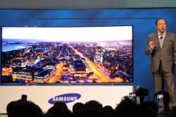 サムスン電子は105型の5K湾曲テレビを発表
