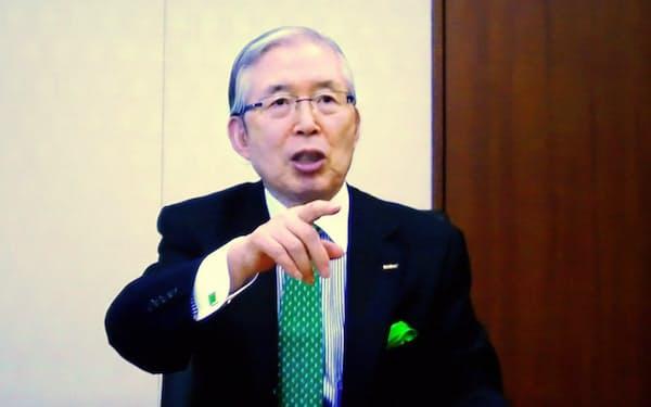時価総額でトヨタ超えをめざすと話す永守氏(京都市の日本電産本社で。インタビューは同社内の会議室を結ぶオンライン形式で実施)