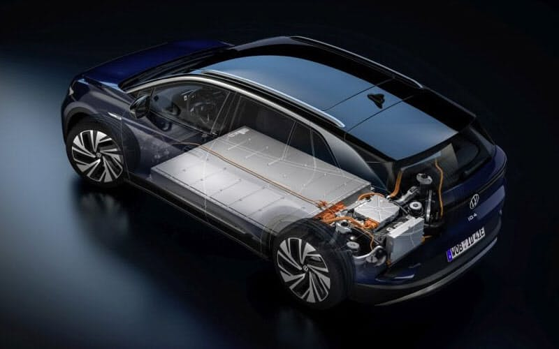 独フォルクスワーゲンのEV「ID.4」の電池は前後車軸の間の床下に搭載されている(出所:フォルクスワーゲン)