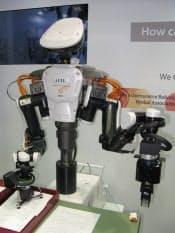 図1 ROS対応を図った川田工業のヒト型ロボット「NEXTAGE OPEN」。2014年1月末の出荷開始を目指す(写真:2013年11月6~9日開催の「2013国際ロボット展」にて撮影)