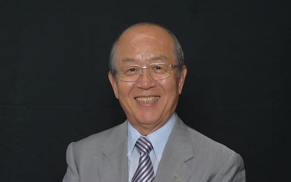 アイリスオーヤマ会長。1945年生まれ。大阪で父親が経営していたプラスチック加工の大山ブロー工業所(1991年にアイリスオーヤマに社名変更)を、父の死に伴って1964年、19歳で引き継ぐ。経営者を56年間と長きにわたり務め、生活用品メーカーからLED照明・家電メーカーに業容拡大。2018年会長就任