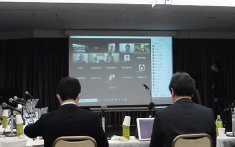 厚労省の検討会の様子(写真:日経クロステック)