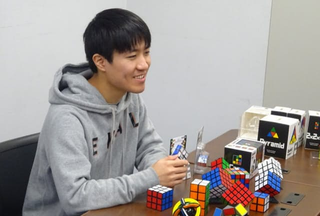 メガハウス藤島勇太氏はルービックキューブの新商品開発に知恵を絞る毎日だ