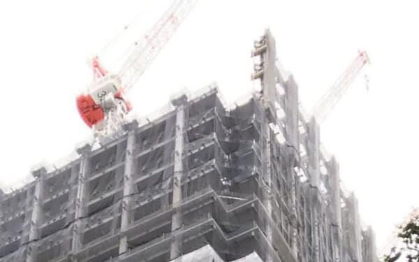 ホテルや商業施設といった工事の延期が相次ぎ営業も滞った