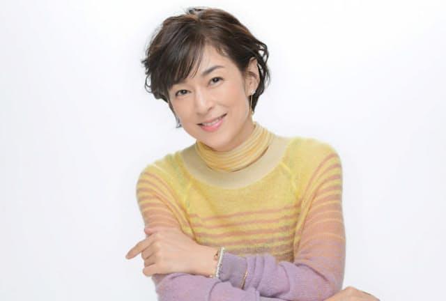 1月8日公開の映画『おとなの事情 スマホをのぞいたら』に出演している鈴木保奈美さん