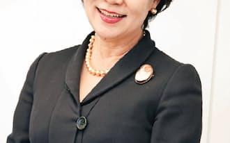 内永ゆか子さん  J-Win理事長。71年に日本IBMに入社し、95年に同社で初の女性取締役に就任。07年から、ベネッセホールディングス取締役副社長、ベルリッツ コーポレーション代表取締役会長兼CEOを歴任。また、07年からNPO法人「J-Win」の理事長に。著書は『もっと上手に働きなさい。』(ダイヤモンド社)など (写真:西原和恵)