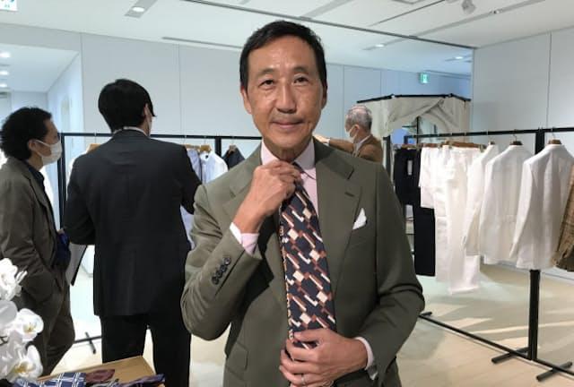 ファッションディレクターの鴨志田康人さん(ポール・スチュアート2021春夏展示会で)