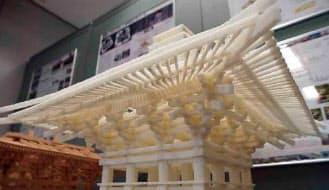 千葉大学の平沢研究室が3Dプリンターで造形した部材を組み立ててつくった法華経寺五重塔