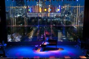 1959年から音楽チャート「ホット100」を手がける米ビルボード。同社は知名度を生かしブランドを冠したライブハウスも運営する。国内では都内と大阪の2カ所にある。