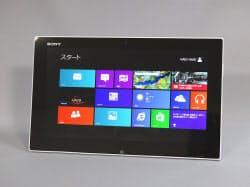 ウィンドウズ8/8.1では、写真のようなタブレット型デバイスに最適化し、インターフェースを大きく変更した