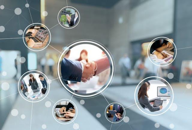 築き上げた「人脈力資産」は転職時の強みになり得る(写真はイメージ) =PIXTA