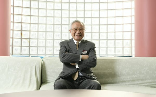 渋幕・渋渋校長の田村哲夫氏