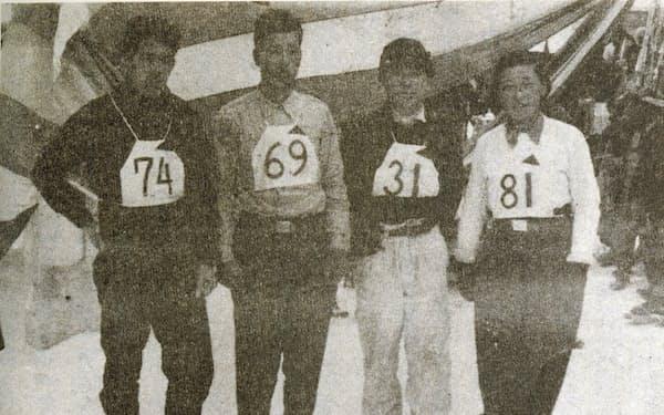 岩木山弾丸滑降レースの表彰式(右から2人目が筆者)