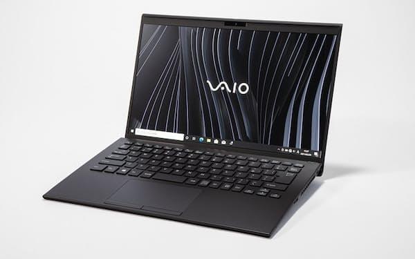 VAIOの「VAIO Z VJZ14190311B」はパソコン初のフルカーボンボディー。14型ながら958グラムと軽量だ。CPUもハイパフォーマンス版の第11世代コアiプロセッサーと高速だ。実売価格は31万円前後