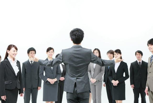 頼れるリーダーはしゃべりにも指導力が期待される(写真はイメージ) =PIXTA
