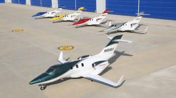 図1 初公開されたホンダのビジネスジェット「HondaJet」量産1号機