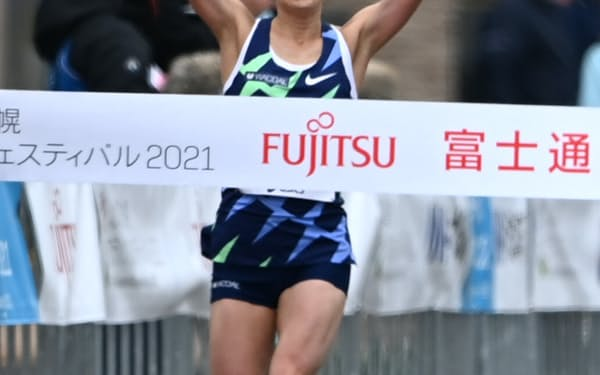 女子ハーフマラソンで優勝した五輪代表の一山麻緒