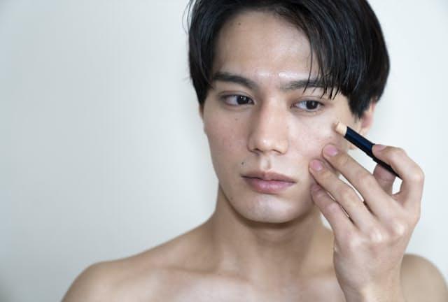 肌のトーンを整えて好印象に(写真はイメージ)=PIXTA