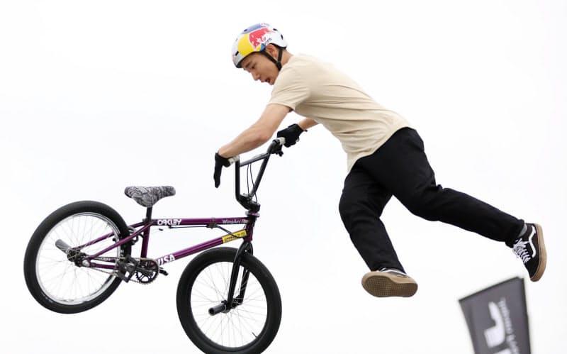 BMXフリースタイル・パークのジャパンカップ男子エリートで優勝した中村=石井理恵撮影