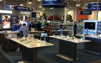 米サンフランシスコ市の家電量販店ベストバイ店舗内にはサムスンの特設コーナーが設けられている